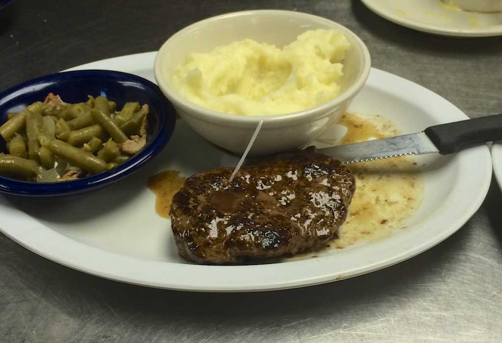 Youngblood's Texas Home Cookin' - Stockyard Cafe - 8oz Sirloin With Green Beans, Mashed Potatos